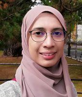 Dr Azzreena